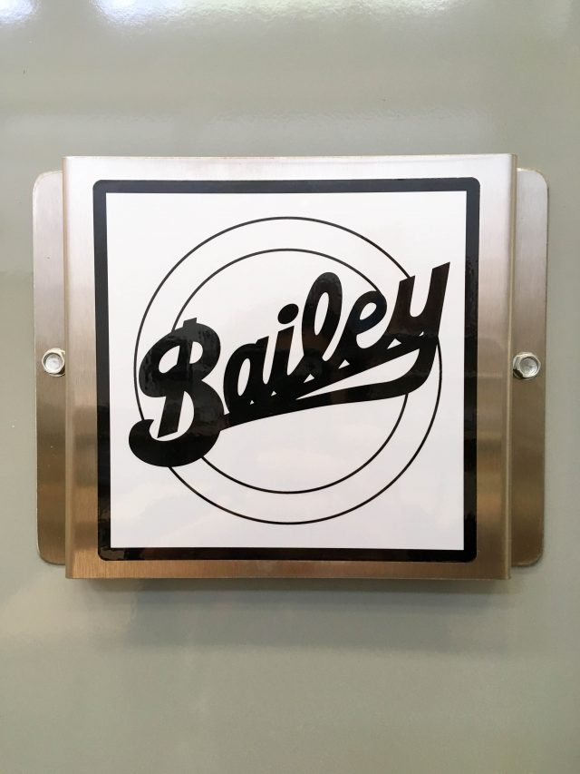 Bailey sign